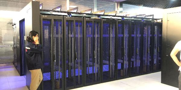 机柜厂家为您讲解服务器机柜设备布局需要考虑哪些因素