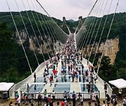 湖南张家界玻璃栈桥景区
